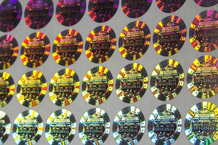 Hologramme de sécurité, micro texte, effets 3D - Oscar Productions Nantes billetterie et gestion d'accès sécurisée