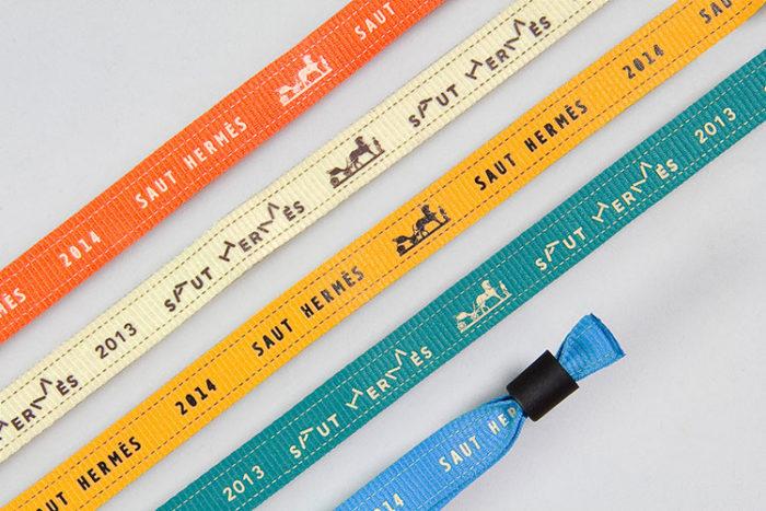 Bracelet en polyester imprimé en sérigraphie - Oscar Productions Nantes billetterie et gestion d'accès sécurisée